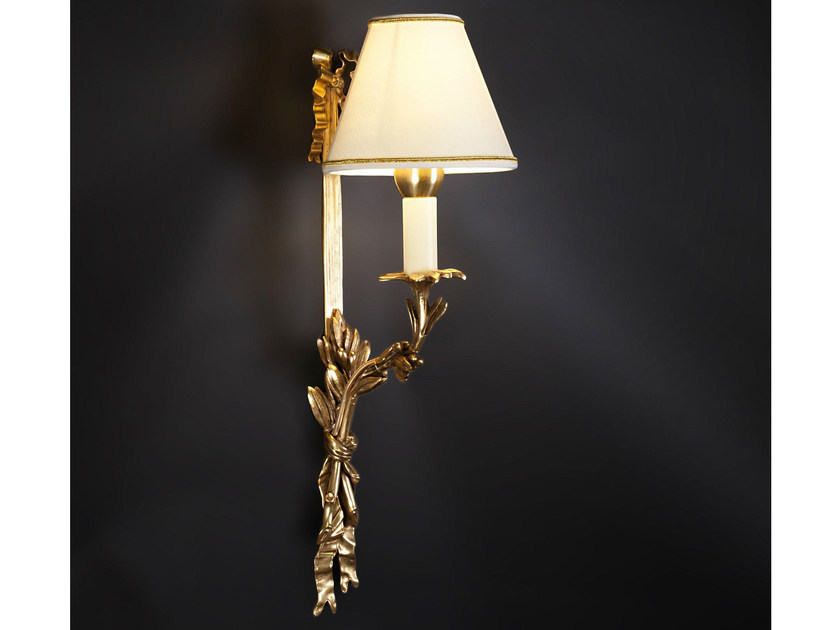 Bronze wall light 24655 | Wall light by Tisserant