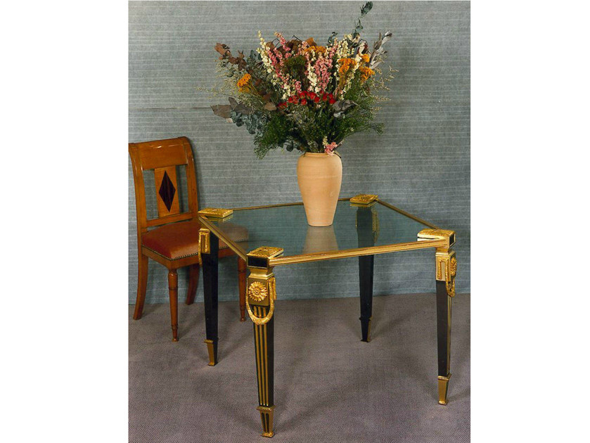 Square bronze table 44768BIS | Square table by Tisserant