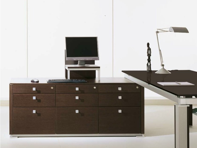 Low office storage unit with lock ELECTA | Office storage unit by IFT