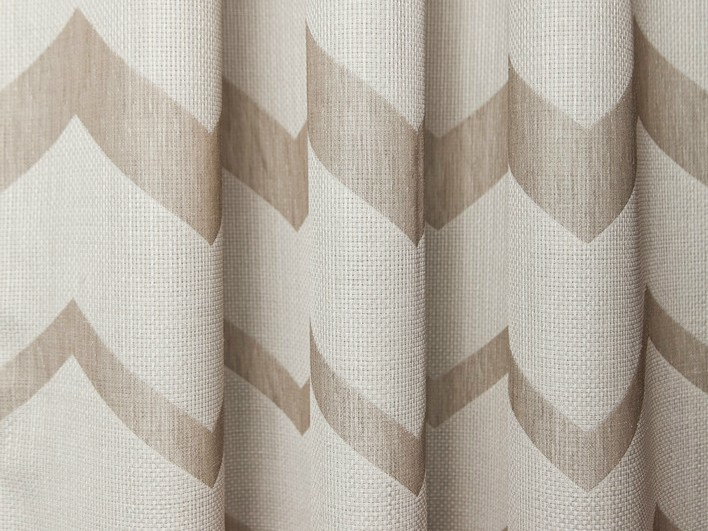 Polyester fabric with graphic pattern for curtains BERGEN by Equipo DRT