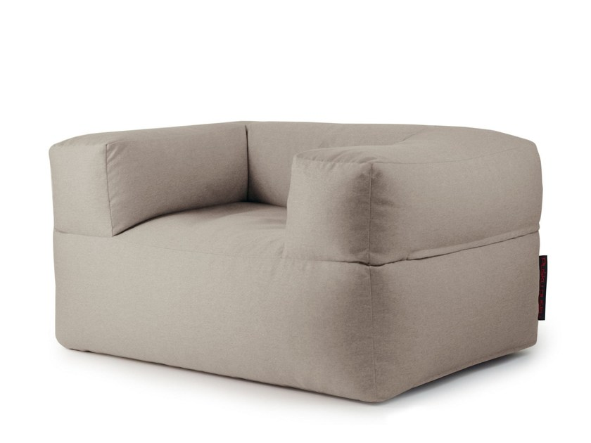 Upholstered fabric armchair with removable cover with armrests MOOG NORDIC by Pusku pusku