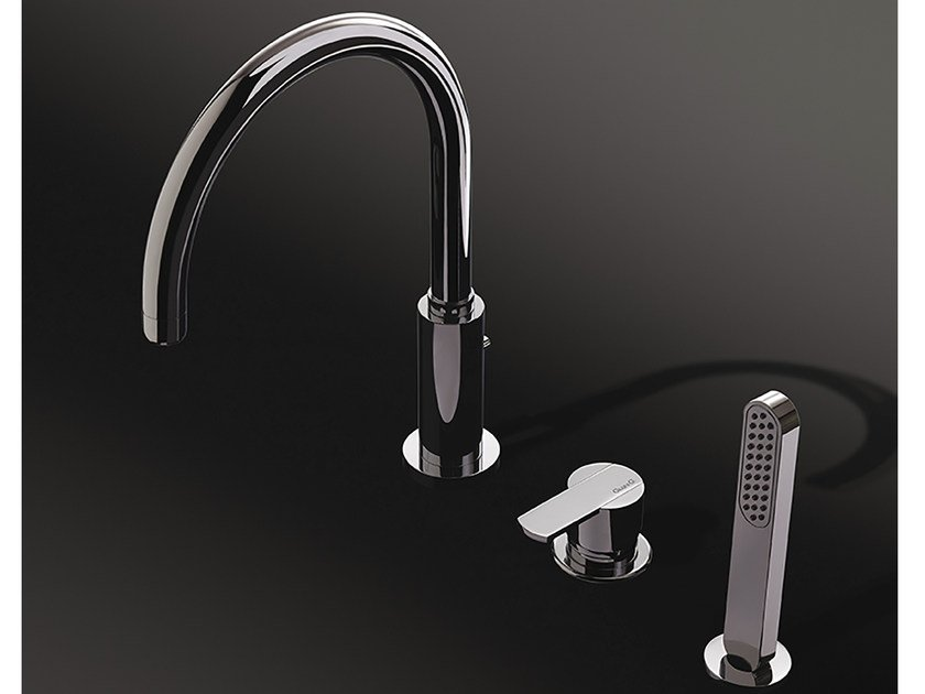 3 hole countertop kitchen mixer tap with pull out spray SURF | Kitchen mixer tap by Rubinetteria Giulini