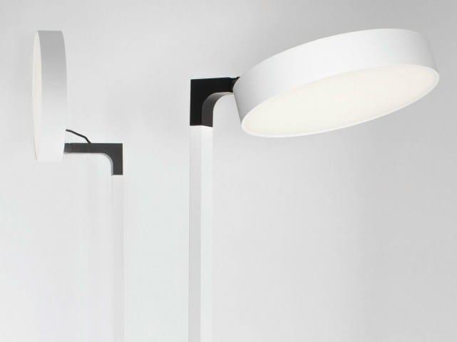 Lampadaire LED orientable SUPERNOVA F   Lampadaire by Delta Light