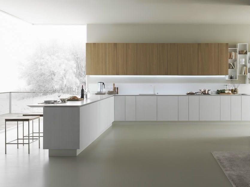 Oak kitchen with peninsula Y   Composition 05 by Zampieri Cucine