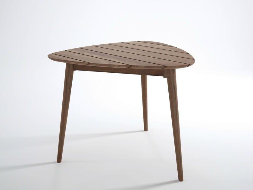Teak garden table VINTAGE OUTDOOR   Table by KARPENTER