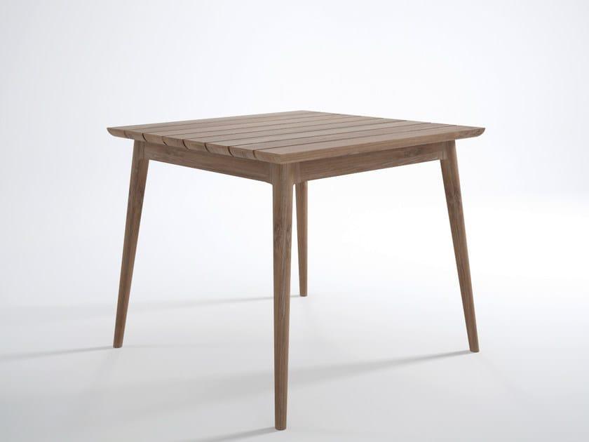 Square teak garden table VINTAGE OUTDOOR | Square table by KARPENTER