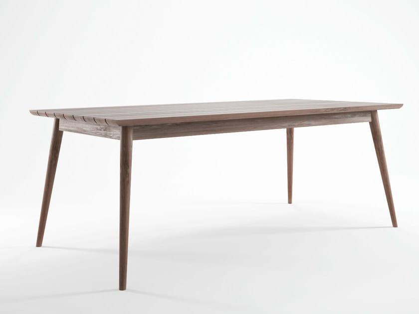 Scandinavian style teak garden table VINTAGE OUTDOOR | Scandinavian style table by KARPENTER