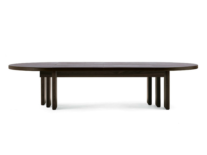 Oval tanned leather meeting table H_O MEETING | Oval meeting table by Poltrona Frau