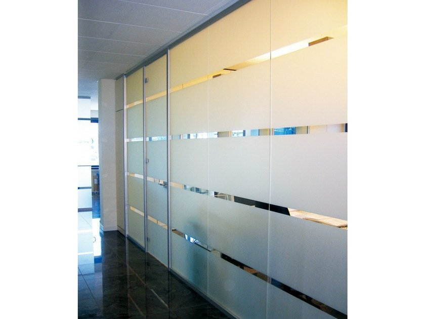 Polycarbonate counter frame for flush-fitting doors Counter frame for flush-fitting doors by Metalglas Bonomi