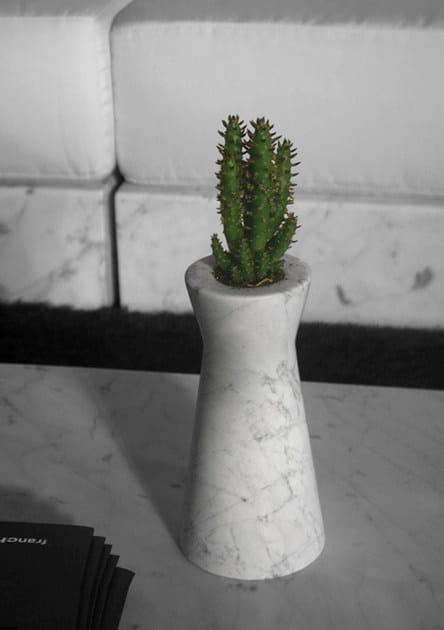 IRA | Vaso in marmo
