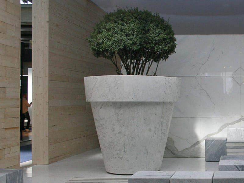 Fioriera per spazi pubblici in marmo BIG MAC by FranchiUmbertoMarmi