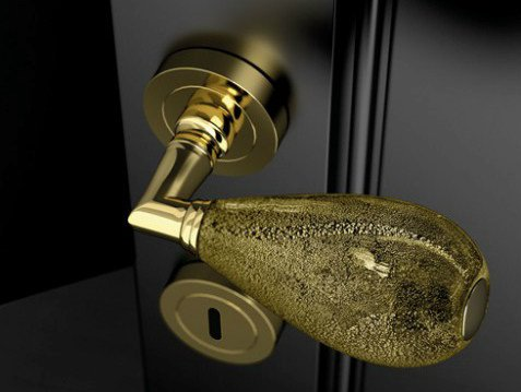 Murano glass door handle with polished finishing GOCCIA BLACK/ GOLD LEAF by Glass Design