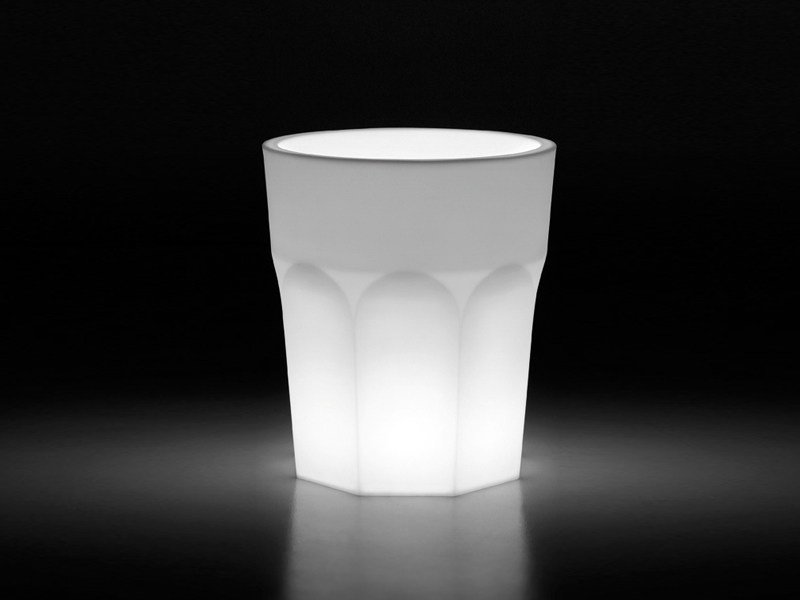 Polyethylene garden vase with Light CUBALIBRE LIGHT by Plust
