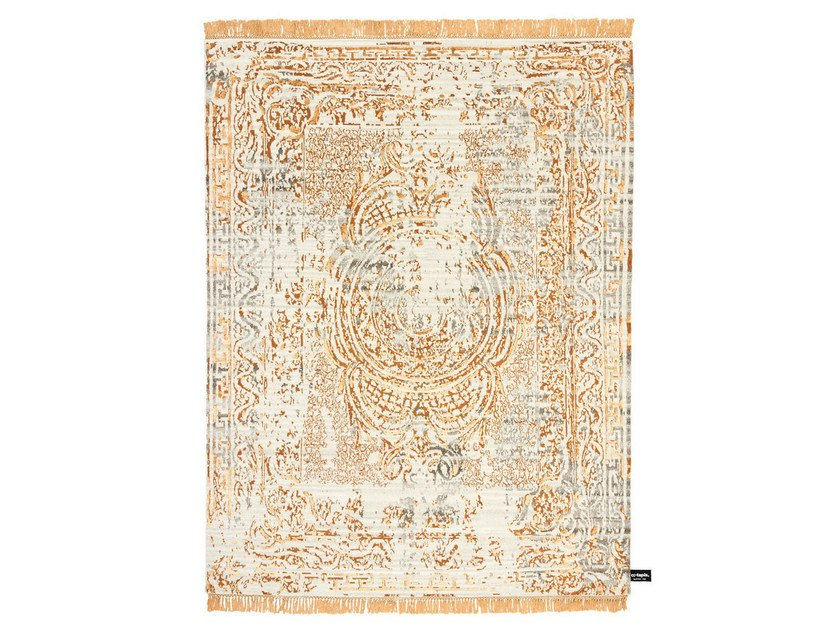 Handmade custom rug TRACES D'AUBUSSON LIGHT by cc-tapis