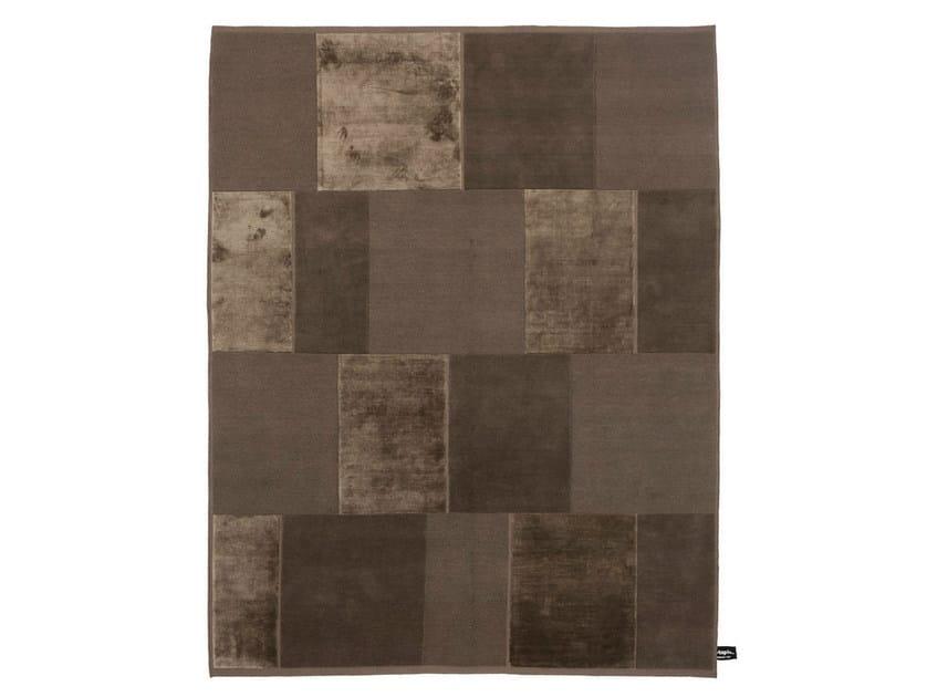 Handmade custom rug CASELLARIO MONOCROMO by cc-tapis