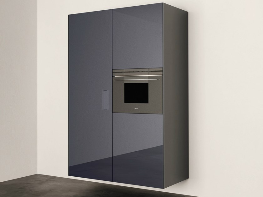 Wall-mounted kitchen with push to open doors COLUMN by Lago