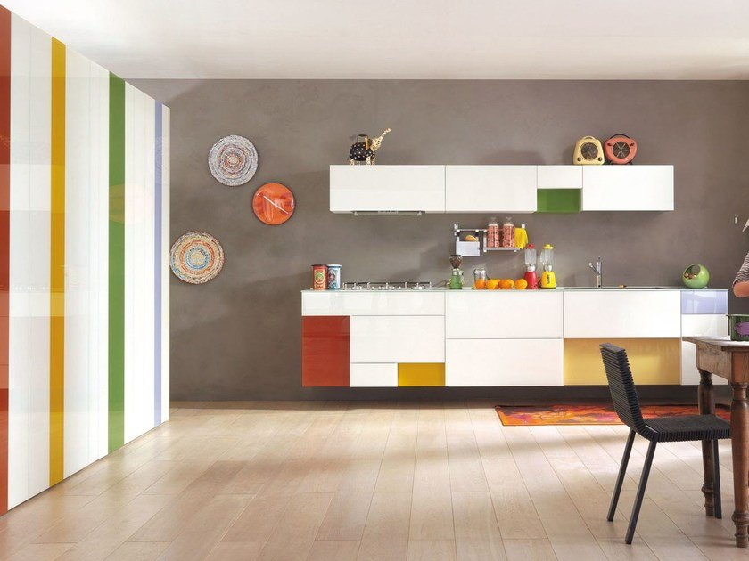 Lacquered linear fitted kitchen 36E8 | Linear kitchen by Lago