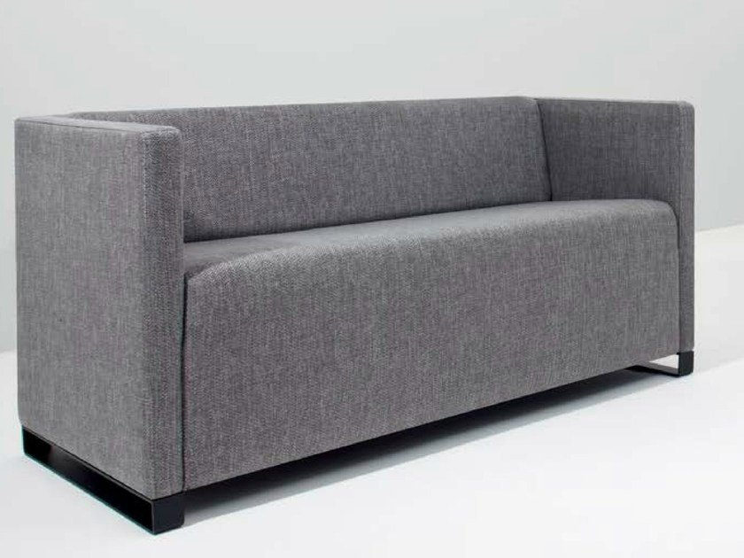 Fabric leisure sofa Q-BÓ | Sofa by Riccardo Rivoli