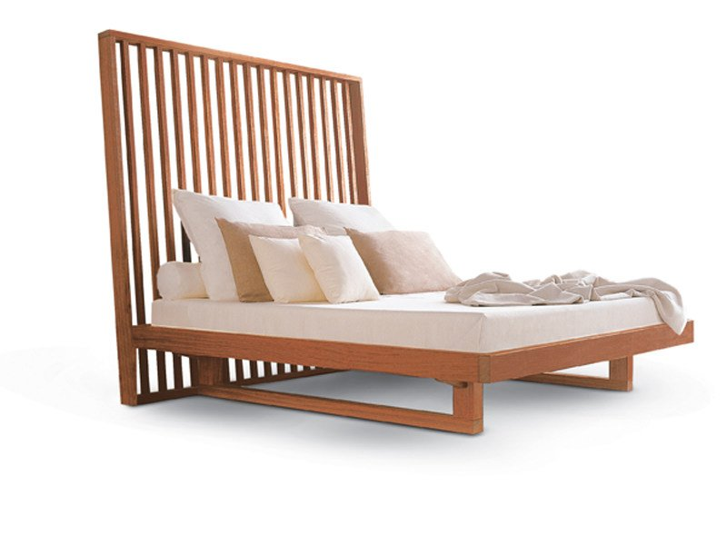 Wooden double bed with high headboard NIGHT-NIGHT   Bed by Riva 1920