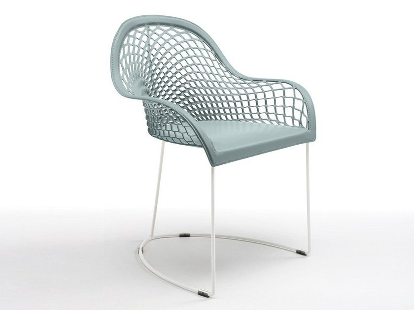 Sled base chair with armrests GUAPA P | Restaurant chair by Midj
