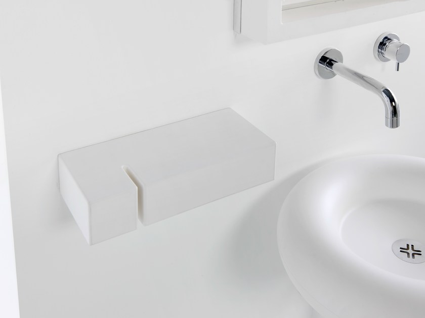 Polyurethane towel rack TOXO by EVER Life Design