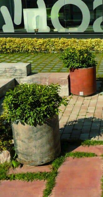 Flower pot CIRCLE PLANTER by PAVESMAC