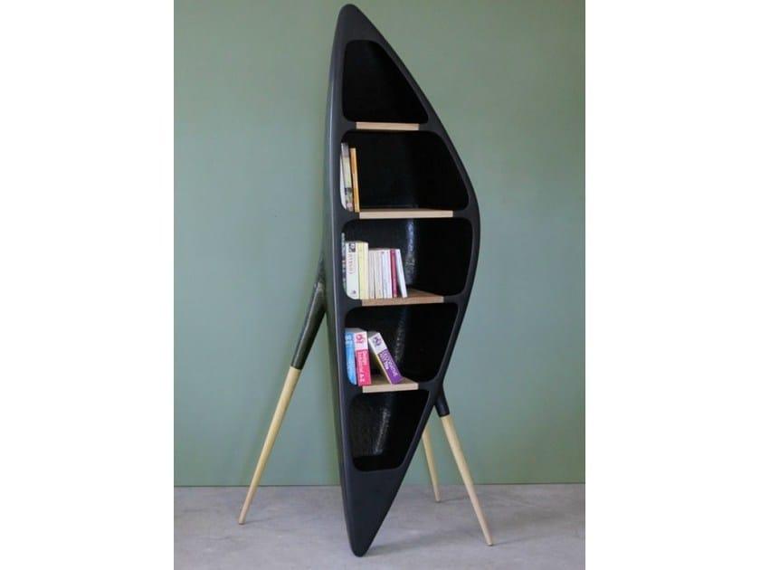 Freestanding resin bookcase TRIPODE | Bookcase by Binome