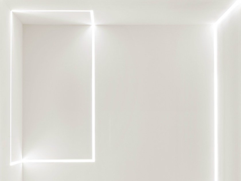 Linear lighting profile for LED modules MOONLINE by FLOS