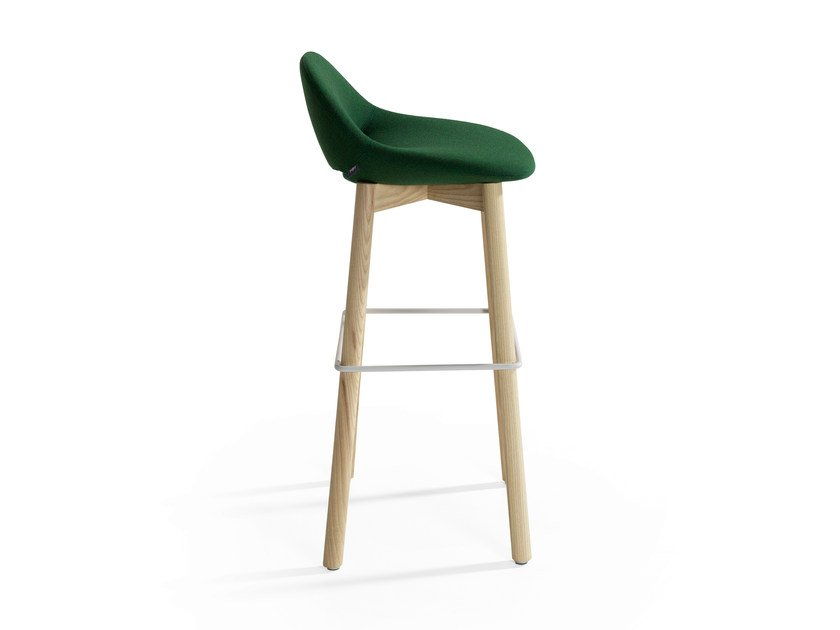 Chair with footrest BESO | Chair by Artifort
