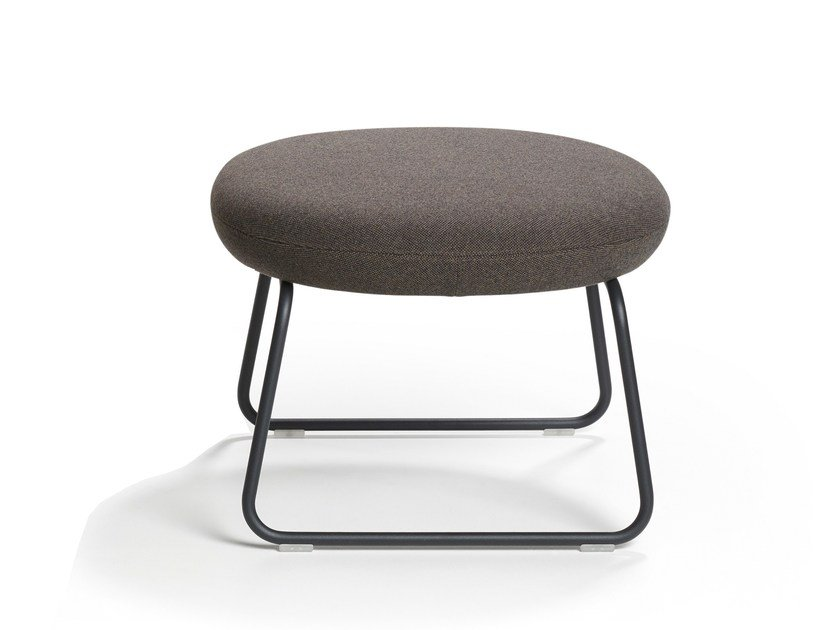 Sled base footstool VEGA | Footstool by Artifort