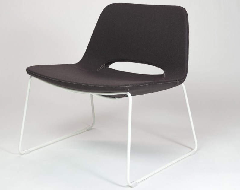 Sled base upholstered fabric easy chair KATIA | Sled base easy chair by RIFLESSI