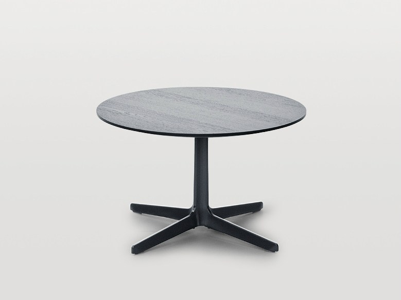 Round side table with 4-star base DS-144 | Coffee table with 4-star base by de Sede