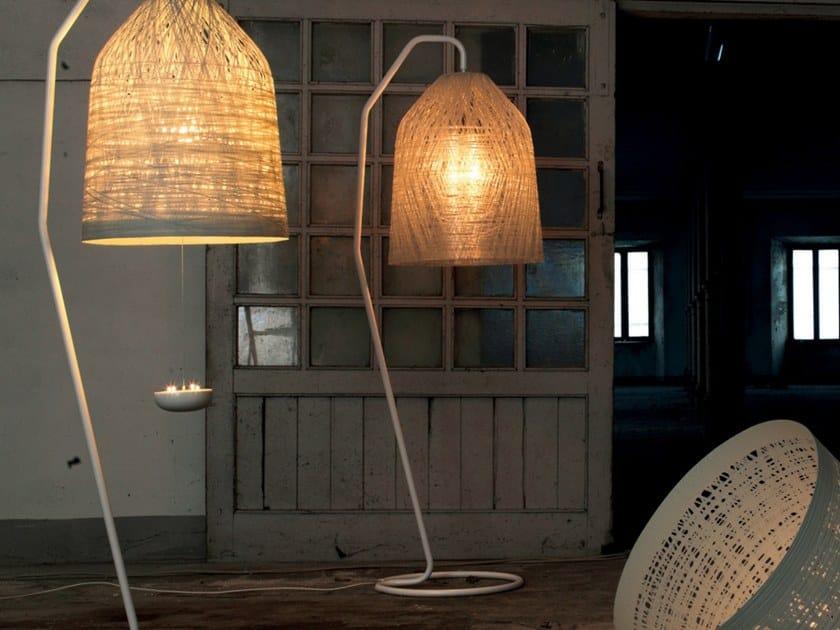 Lampe de sol en résine cocoon BLACKOUT | Lampe de sol by Karman