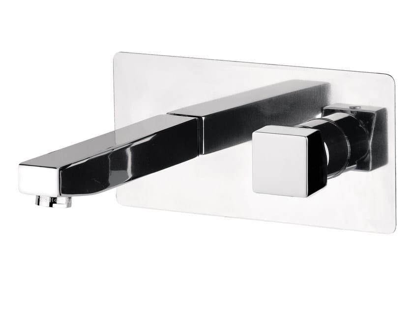 Wall-mounted single handle washbasin mixer with plate OXY | Wall-mounted washbasin mixer by Daniel Rubinetterie