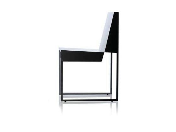 A Slitta Da Acciaio Sedia Branca In Lisboa Giardino Paper Chair nmNyv80wOP