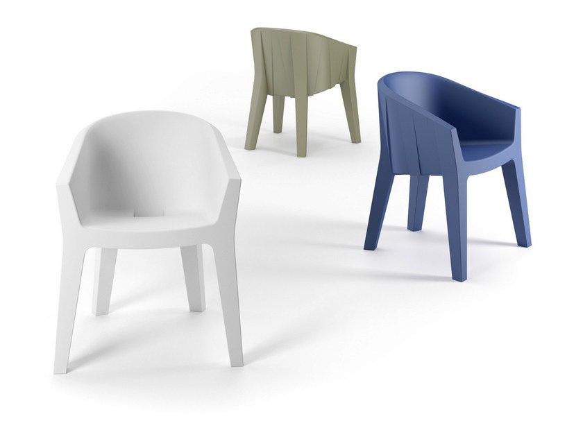Polyethylene chair with armrests FROZEN CHAIR by Plust