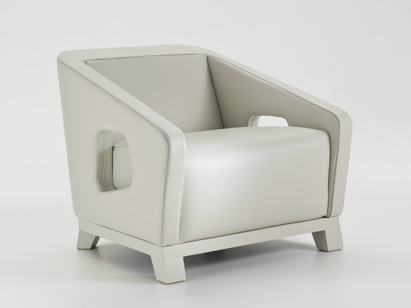 Upholstered leather armchair with armrests HOLLY   Leather armchair by i 4 Mariani