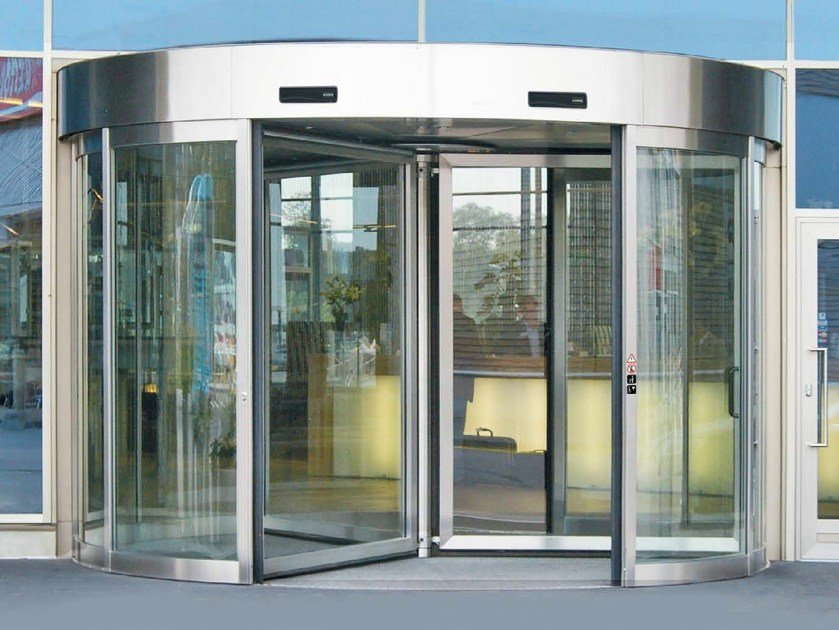 Revolving entrance door PORTE GIREVOLI KONE 50 by KONE