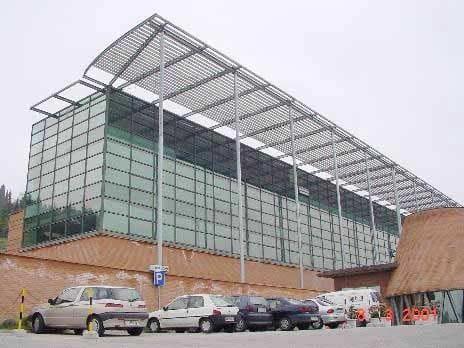 Pellicola per vetri a controllo solare Facciata di Villa Azzura, con pellicola sputtered a basso impatto visivo