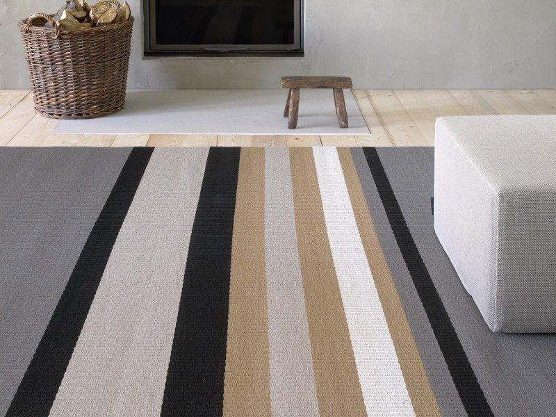Striped rug HORIZON by Woodnotes