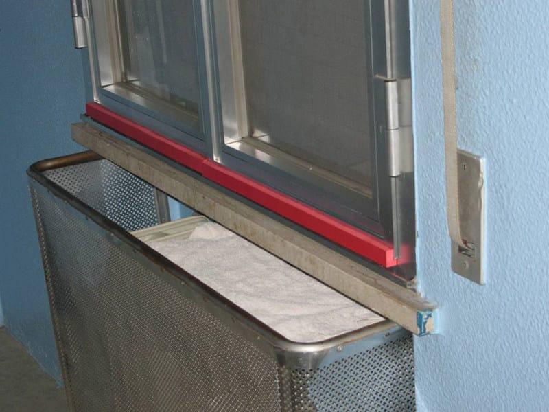 Paraspigoli per finestre profilo angolare in eva non ignifuga by piesse - Protezione per finestre ...