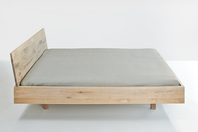 Letto matrimoniale in legno massello QUADRA By Vitamin Design design ...
