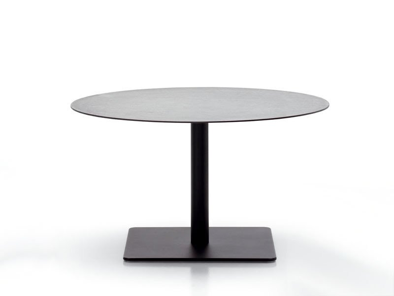 Garden table GIRO | Garden table by paola lenti