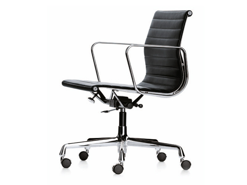Swivel Task Chair With Casters EA 117 By Vitra