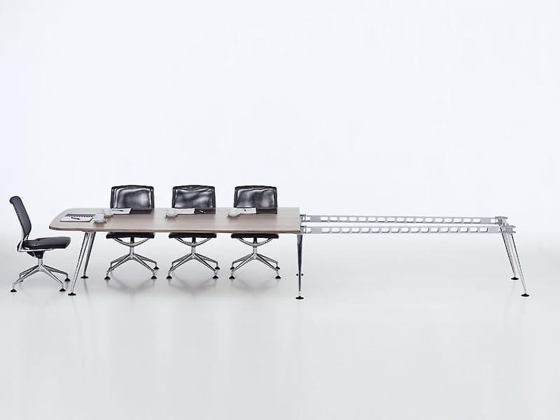 Extending modular meeting table MEDAMORPH by Vitra
