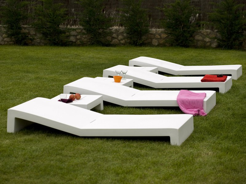 Jut lettino da giardino by vondom for Lettini da giardino in offerta