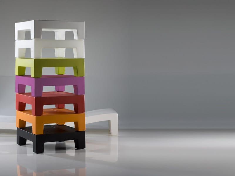 Resin side table JUT | Side table by VONDOM