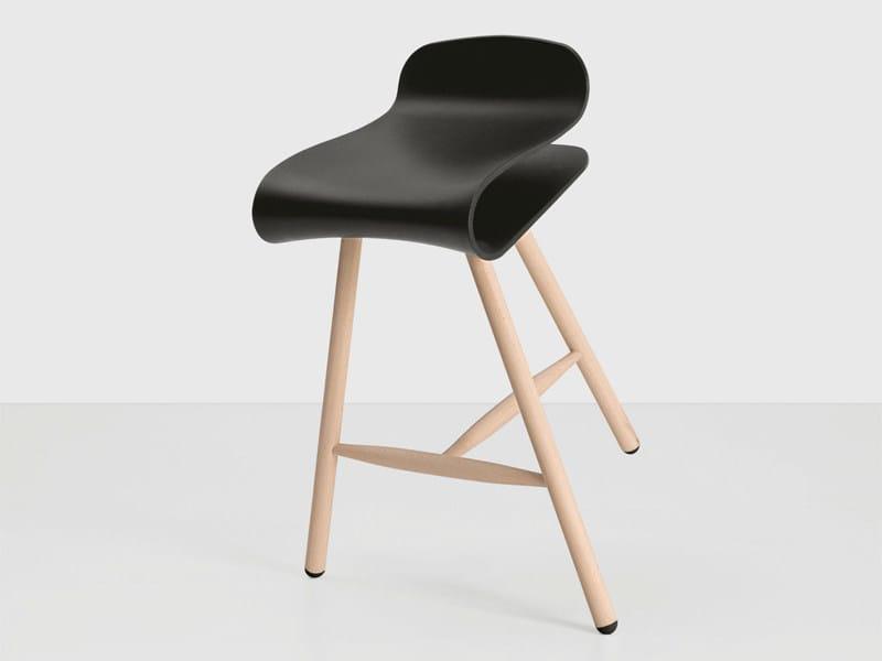 Wooden stool BCN | Wooden stool by Kristalia