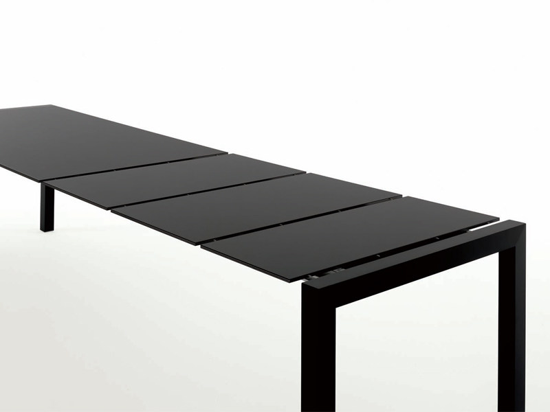 Extending Alucompact® table SUSHI | Aluminium table by Kristalia