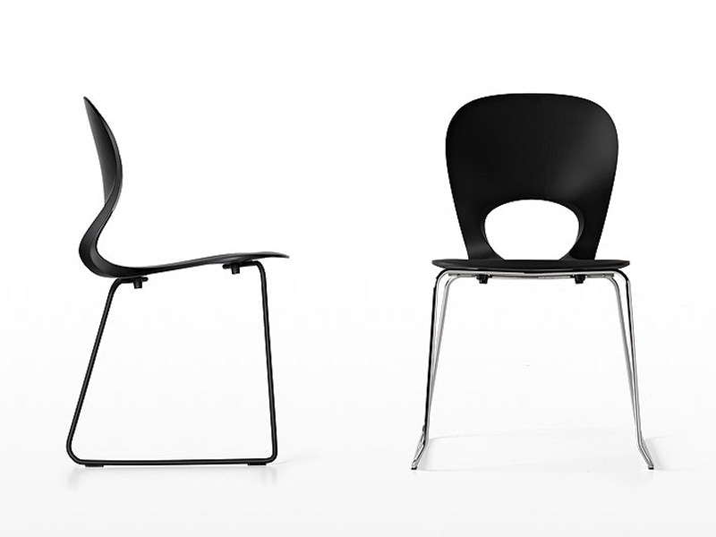 Sled base stackable chair PIKAIA | Sled base chair by Kristalia